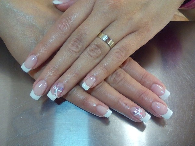Is It Safe To Use a UV Light For Your Nails? - UV Nail Light Risks