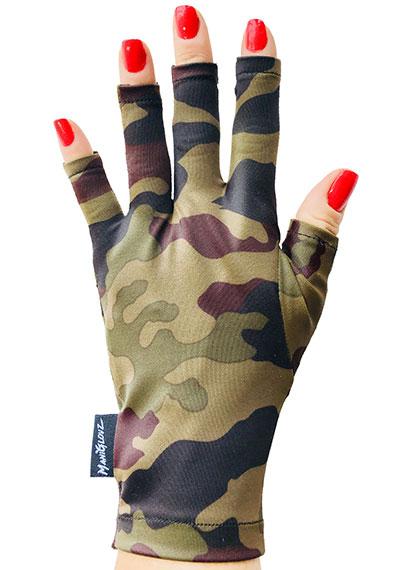Camo Craze ManiGlovz manicure sunblock gloves